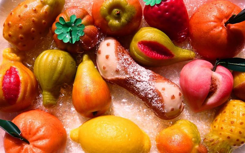 Gâteaux colorés à la noix de coco