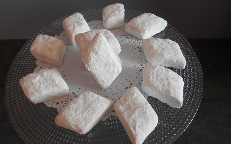 Gâteaux losanges au sucre glace