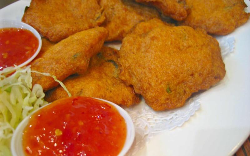 beignets de poisson a la sauce tomate recette de beignets de poisson a la sauce tomate. Black Bedroom Furniture Sets. Home Design Ideas