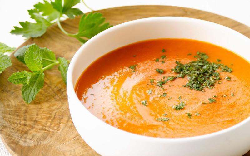 soupe aux tomates et au lait recette de soupe aux tomates et au lait. Black Bedroom Furniture Sets. Home Design Ideas
