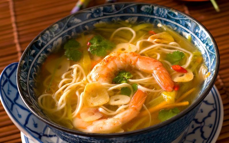 soupe de crevettes et nouilles chinoises recette de soupe de crevettes et nouilles chinoises. Black Bedroom Furniture Sets. Home Design Ideas