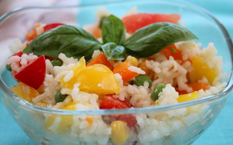 salade de riz aux poivrons recette de salade de riz aux poivrons. Black Bedroom Furniture Sets. Home Design Ideas