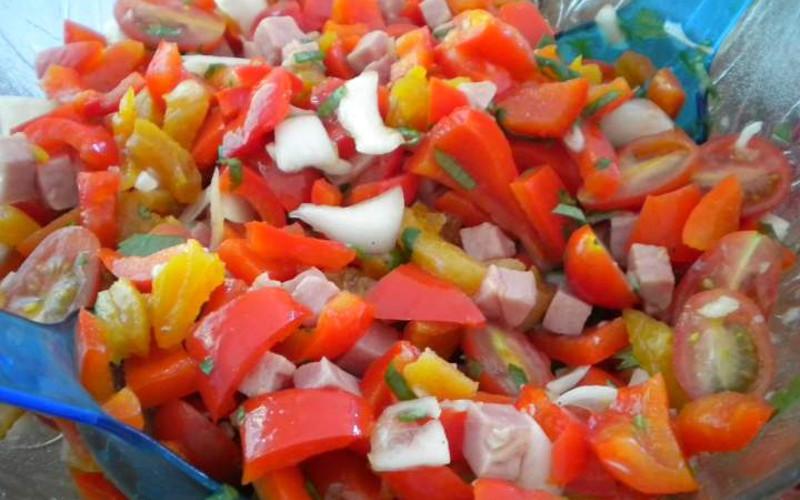 Salade color e de poivrons et thon recette de salade color e de poivrons et thon - Comment cuisiner le thon rouge frais ...
