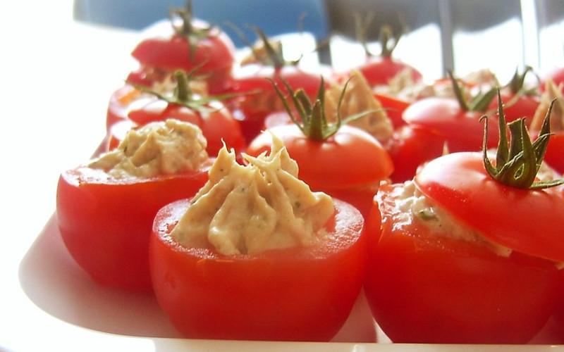tomates farcies au thon recette de tomates farcies au thon. Black Bedroom Furniture Sets. Home Design Ideas