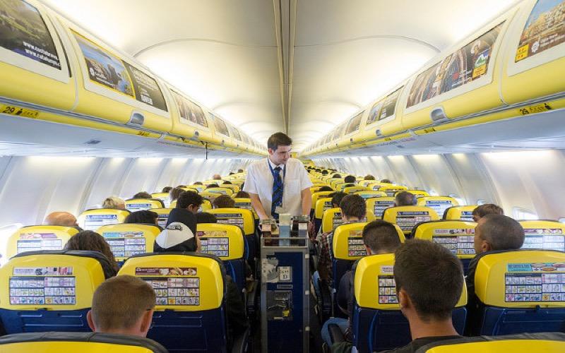 Ryanair non il n 39 y a pas eu mutinerie sur le vol rabat for Interieur avion ryanair