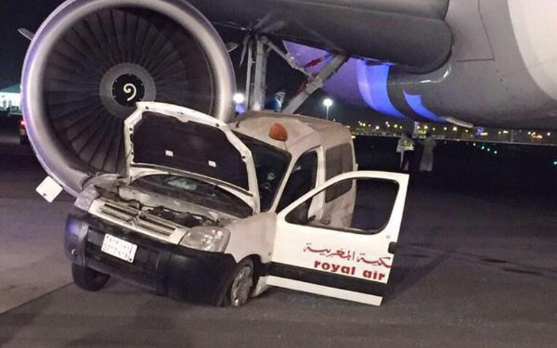 collision entre un v hicule de royal air maroc et un avion en arabie saoudite. Black Bedroom Furniture Sets. Home Design Ideas