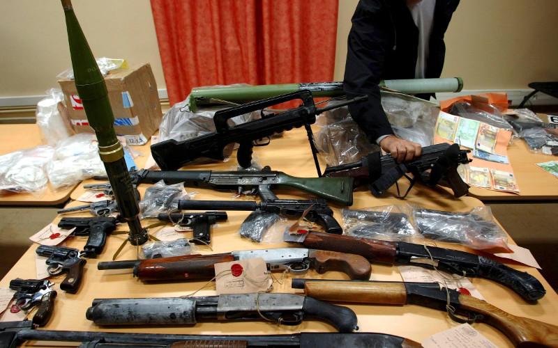 Maroc les armes saisies par la douane mises for Bureau des douanes 64