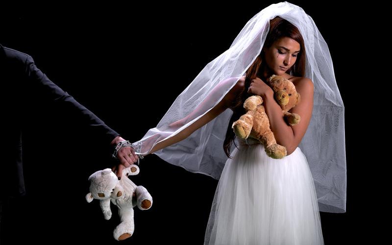 maroc forc e se marier avec un homme qu 39 elle n 39 aime pas elle se suicide. Black Bedroom Furniture Sets. Home Design Ideas