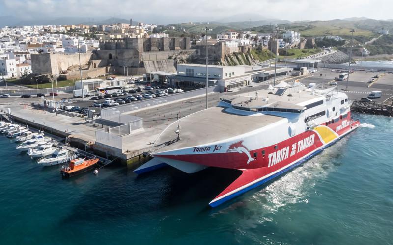 A cause des vents forts, la liaison Tarifa - Tanger suspendue