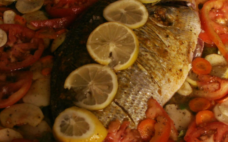 Poisson au four recette de poisson au four - Cuisiner du saumon au four ...